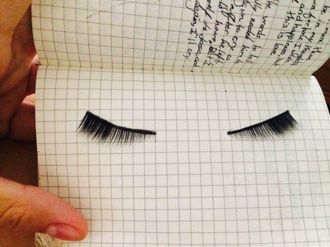 false-lashes-in-notebook