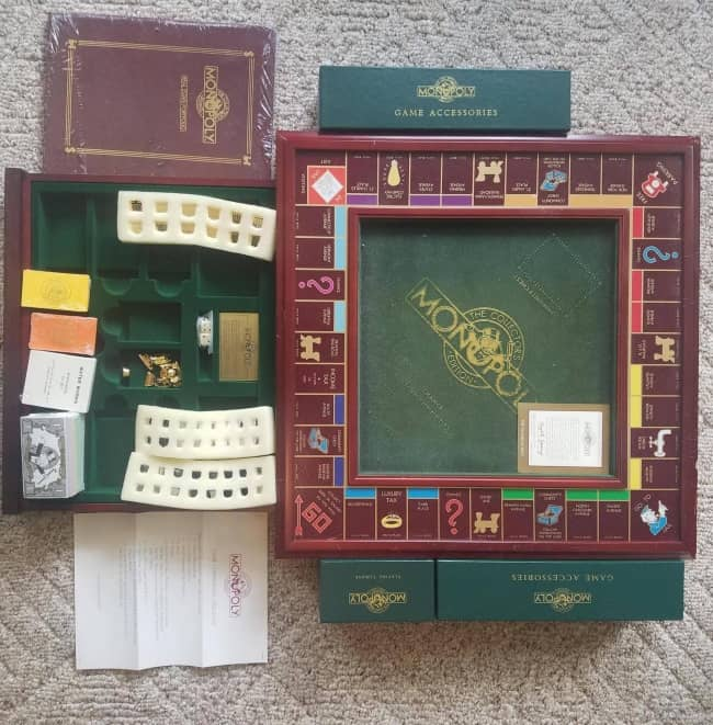 classic-monoply-game