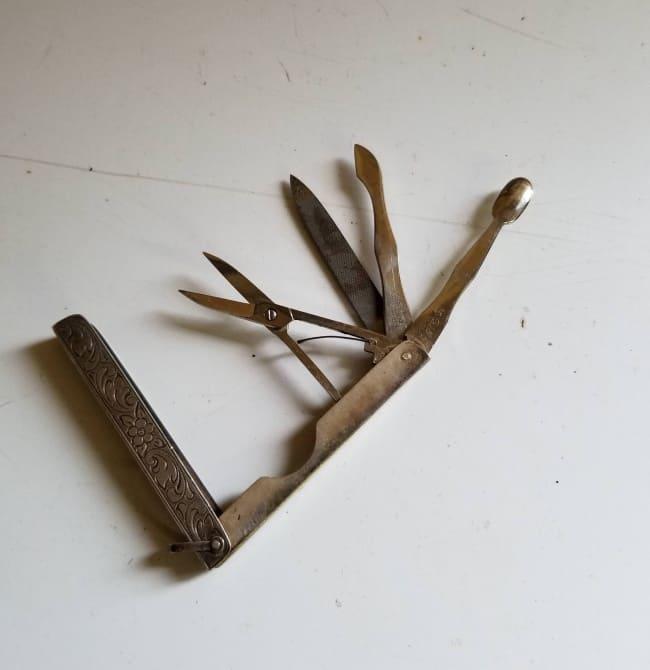 old-swiss-knife