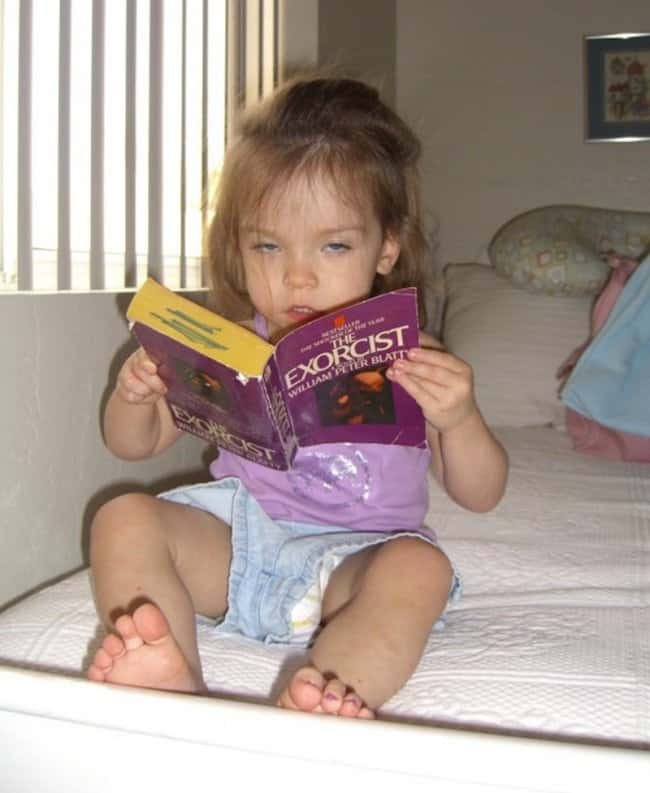 babies-reading-books