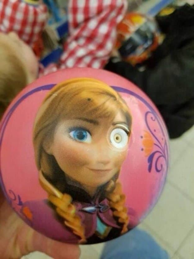 anna-in-frozen-with-a-robotic-eye