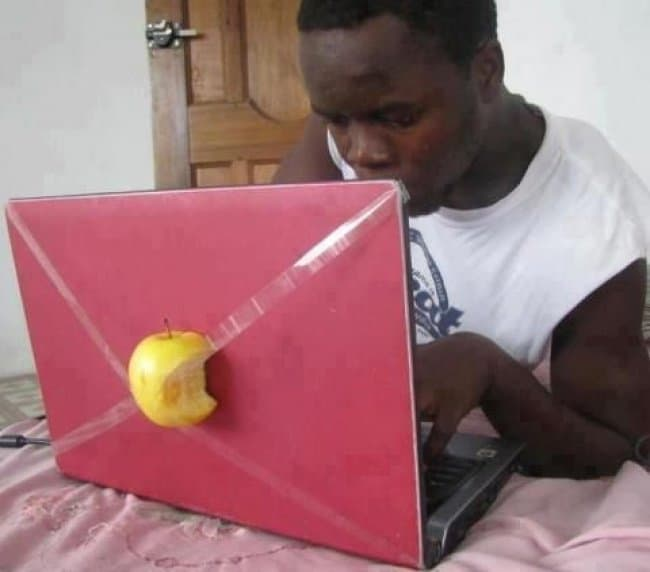 apple-logo-macbook-blatant-lies-fool-others