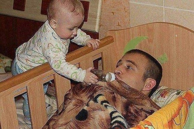 baby-feeding-milk-to-his-dad-hilarious-dads