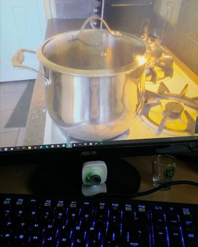 boiling-pot-via-skype-hilariously-lazy-people