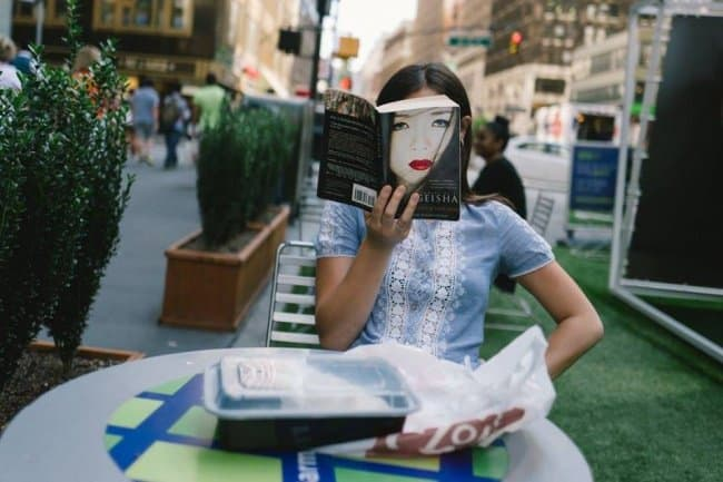 book-cover-image-face-reader-tricky-pictures