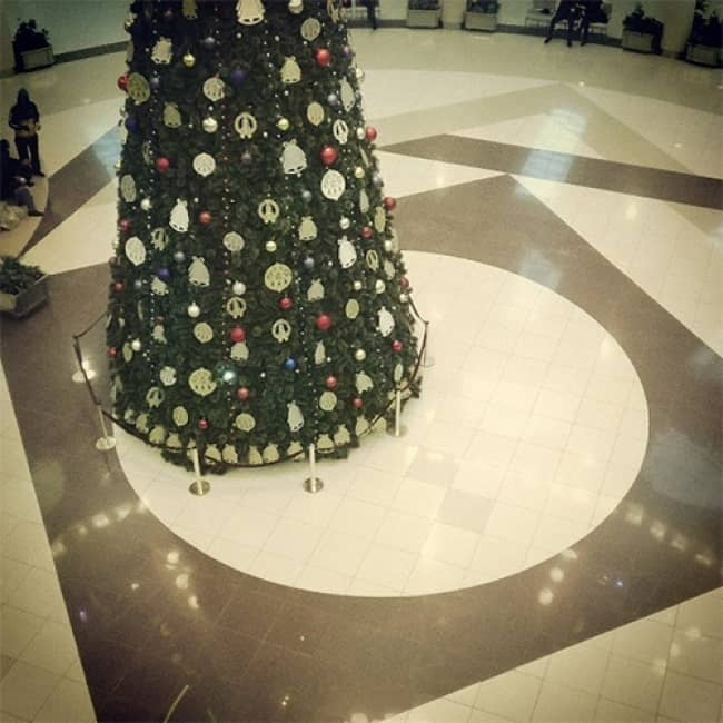 christmas_tree_not_centered_on_floor