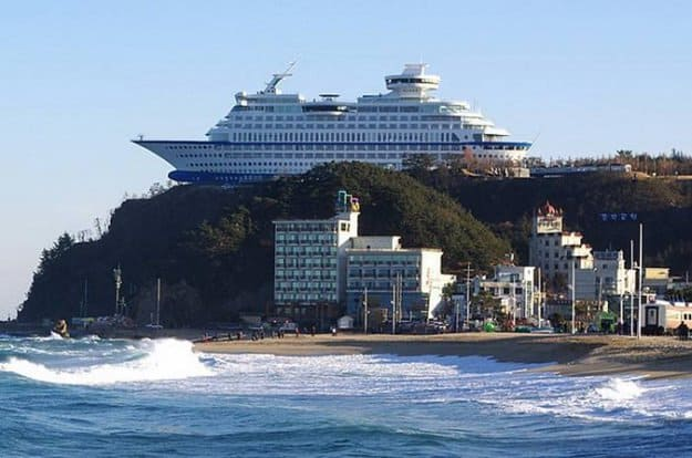 cruise-ship-on-a-mountain