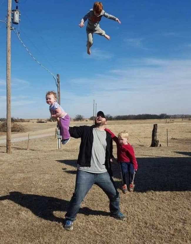 dad-juggling-kids-hilarious-dads