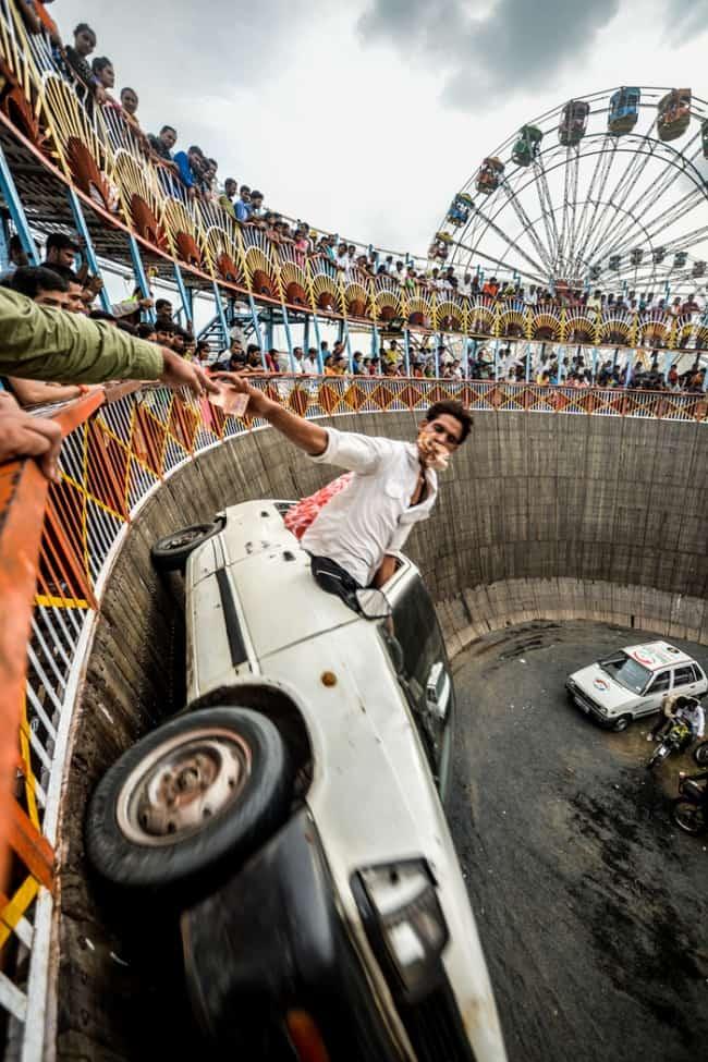 daring-car-stunt