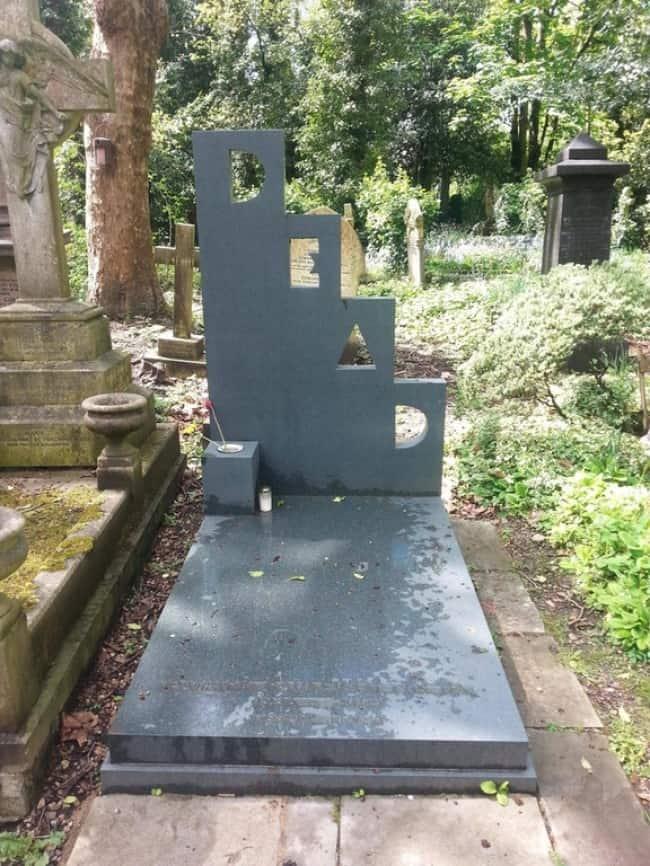 dead_epitaph_gravestone