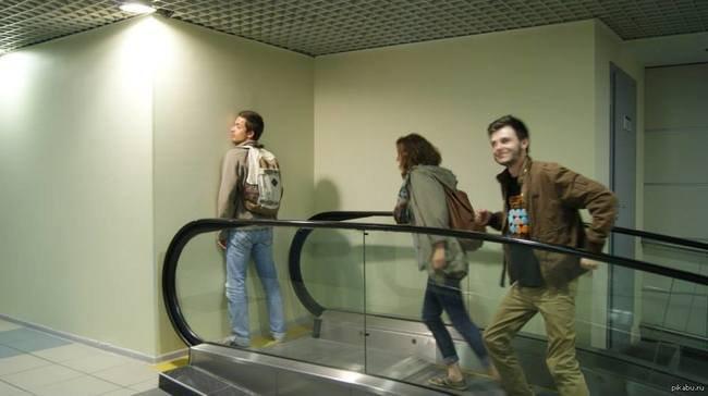 escalator_wall_destination_funniest_epic_fails