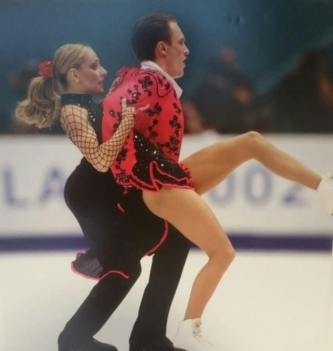 figure-skater-lifts-partner-confusing-pictures
