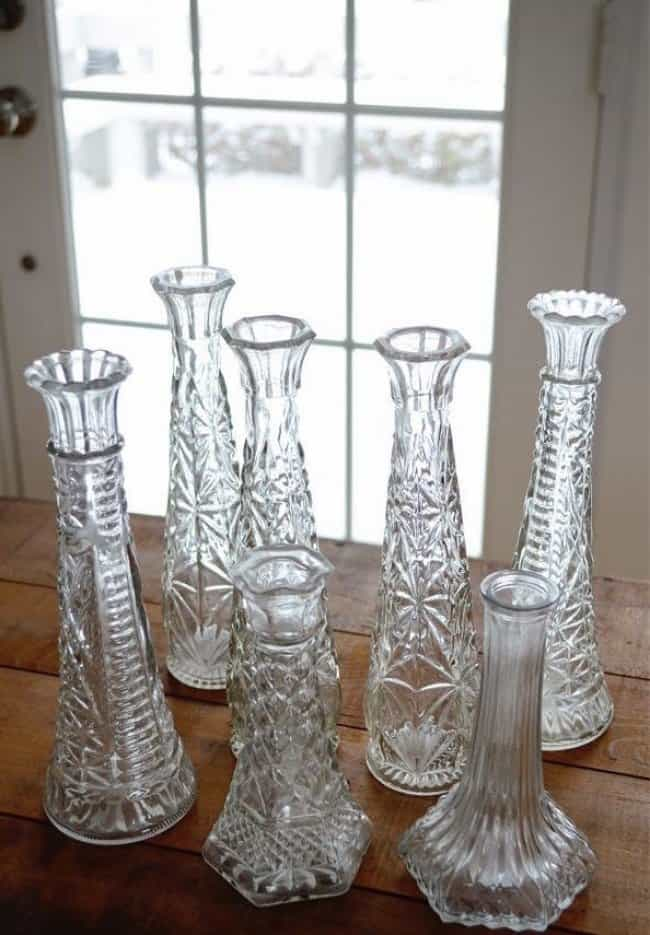 glass_bottles_and_vases_cleaning_hacks