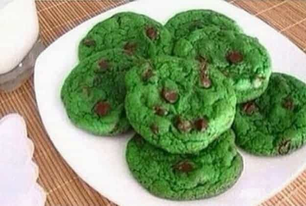 green-chocolate-chip-cookies