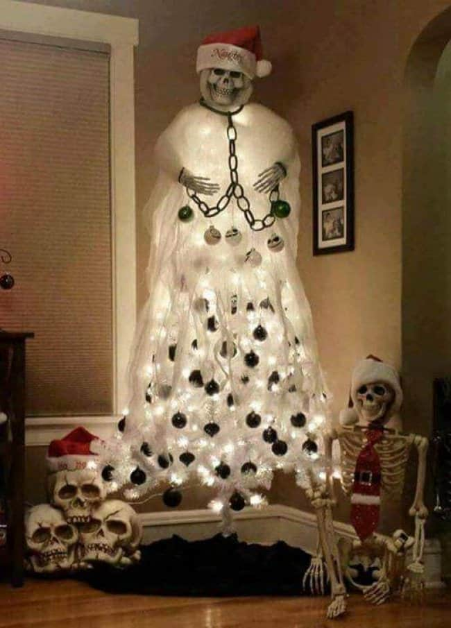 halloween-and-christmas-decoration-hilariously-lazy-people