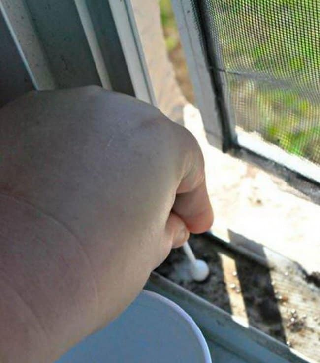 how_to_clean_window_fittings
