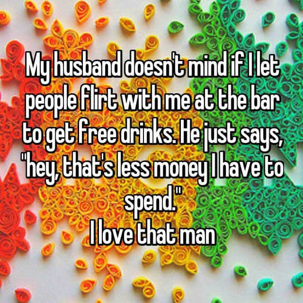 husband_let_other_guys_flirt_on_wife_at_the_bar_to_get_free_beer