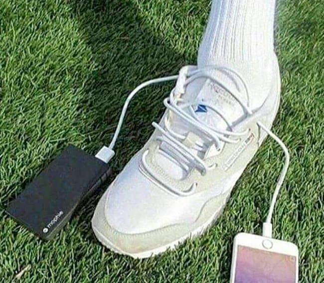 lightning-cables-as-shoe-laces-brilliant-people