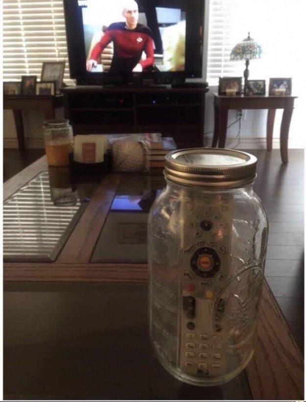 remote-control-inside-a-jar