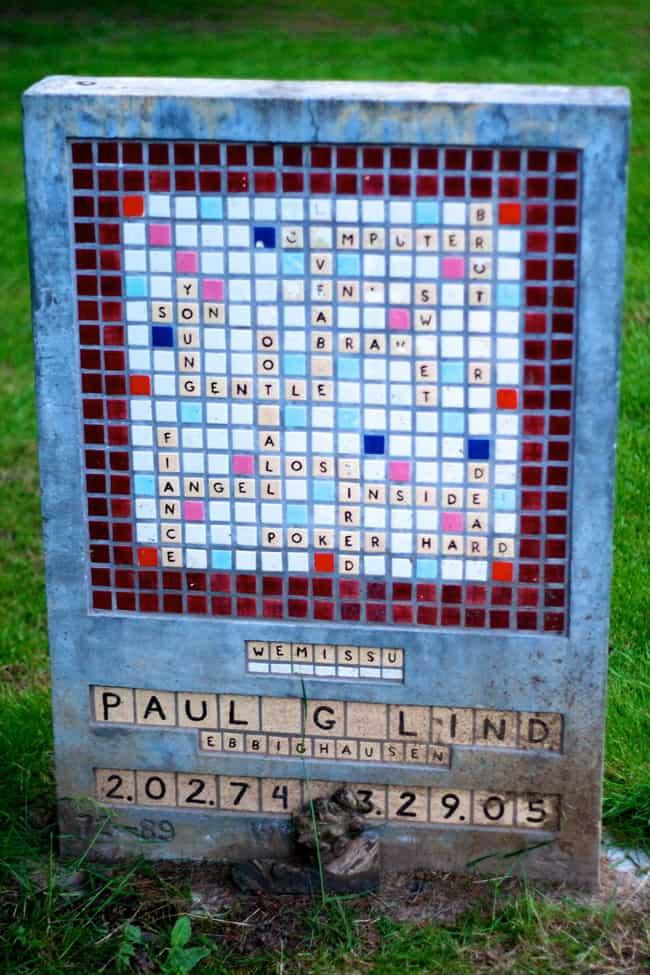 scrabble_gravestone
