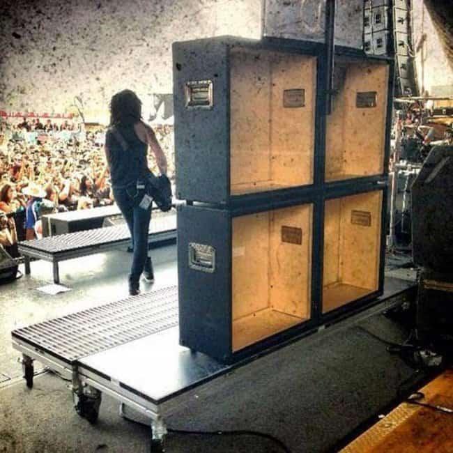 speakers-behind-the-scene-stage-deceptive-packaging