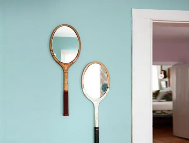 tennis_rackets_to_mirror