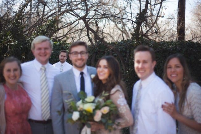 the-only-unmarried-sibling-funniest-photobombs