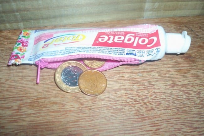toothpaste-tube-coin-purse-weird-ideas