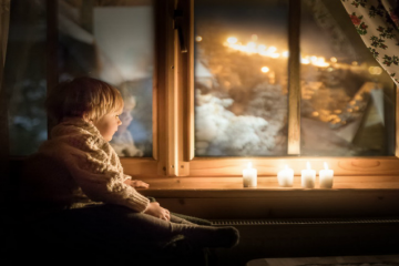 a-mother-of-two-creates-magical-photos-of-kids-during-her-sleepless-nights