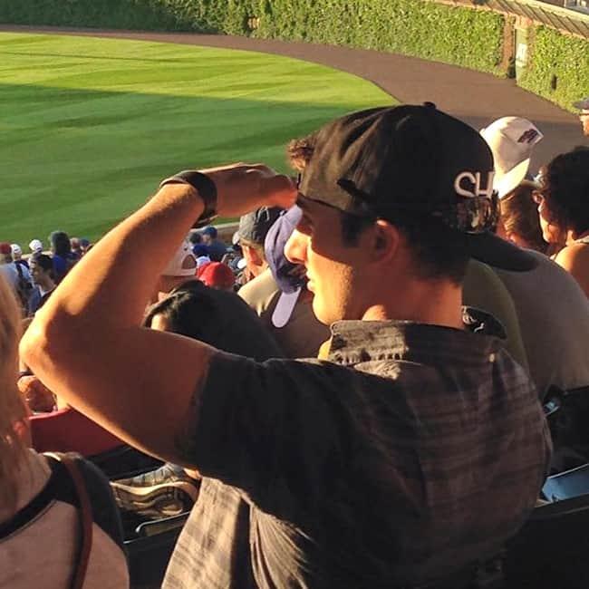 baseball-cap-bill-unused-absurd-people