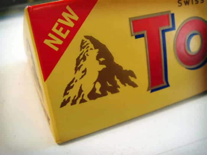 bear-hidden-in-toblerone-mountain-mind-blowing-photos