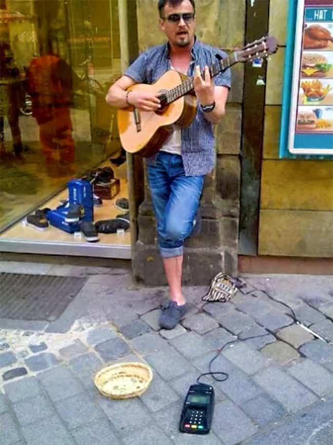 beggar-accepts-card-payments-innovative-people