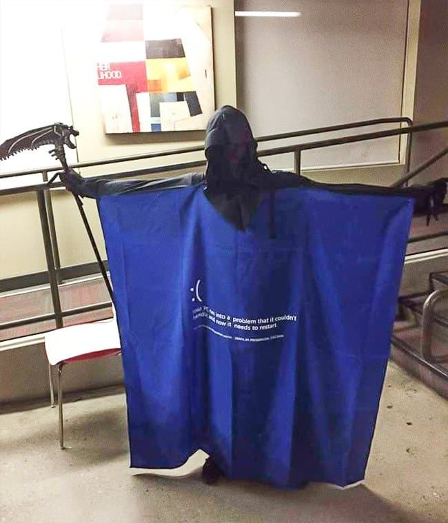blue-screen-of-death-costume