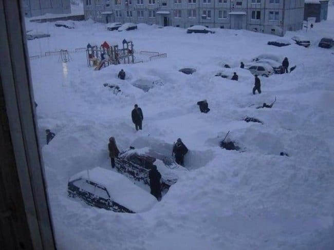 cars-buried-in-snow-hilarious-excuses-for-being-late