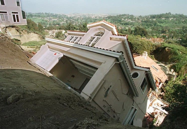 collapsing-house