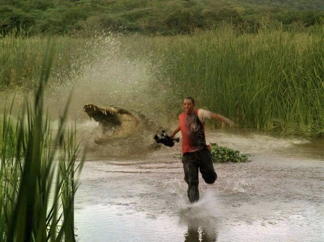 crocodile-chases-a-cameraman-photos-captured-before-disaster-struck