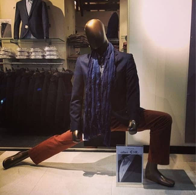 dance-with-the-groove-mannequins-posing-hilariously