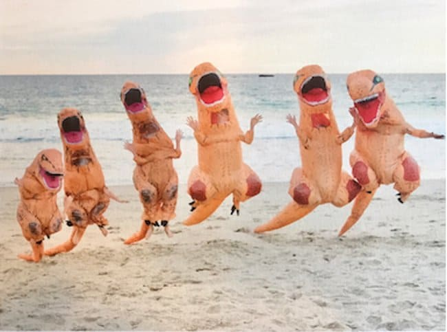 dinosuar-costume-hilarious-family-photos