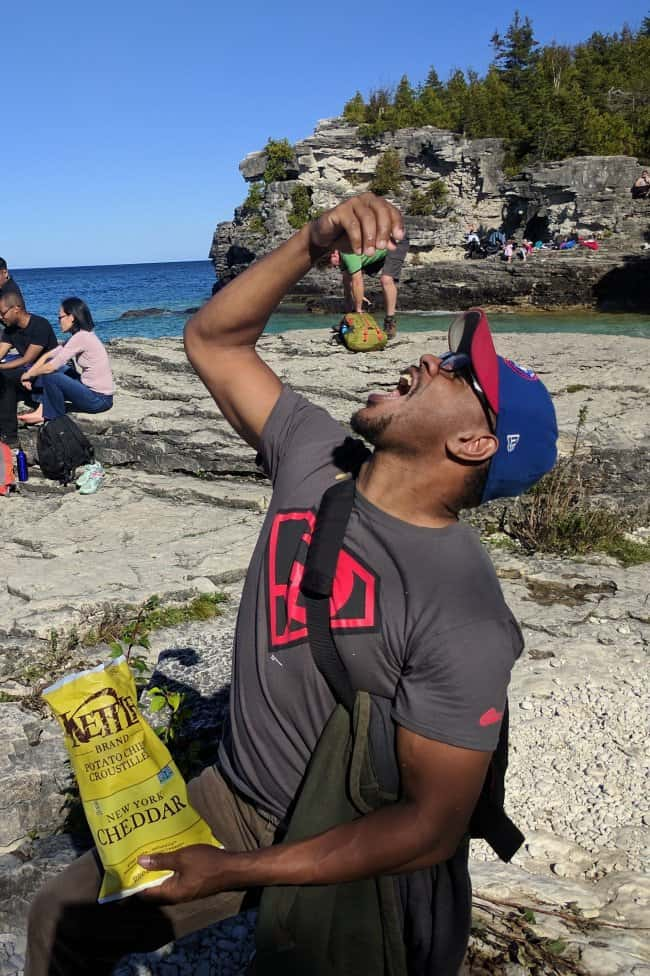 eating-a-guy-with-a-backpack-perfectly-timed-photos