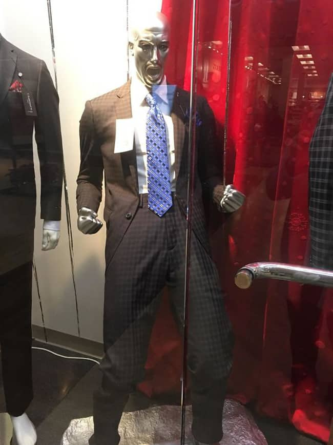 enthusiastic-business-suit-mannequins-posing-hilariously