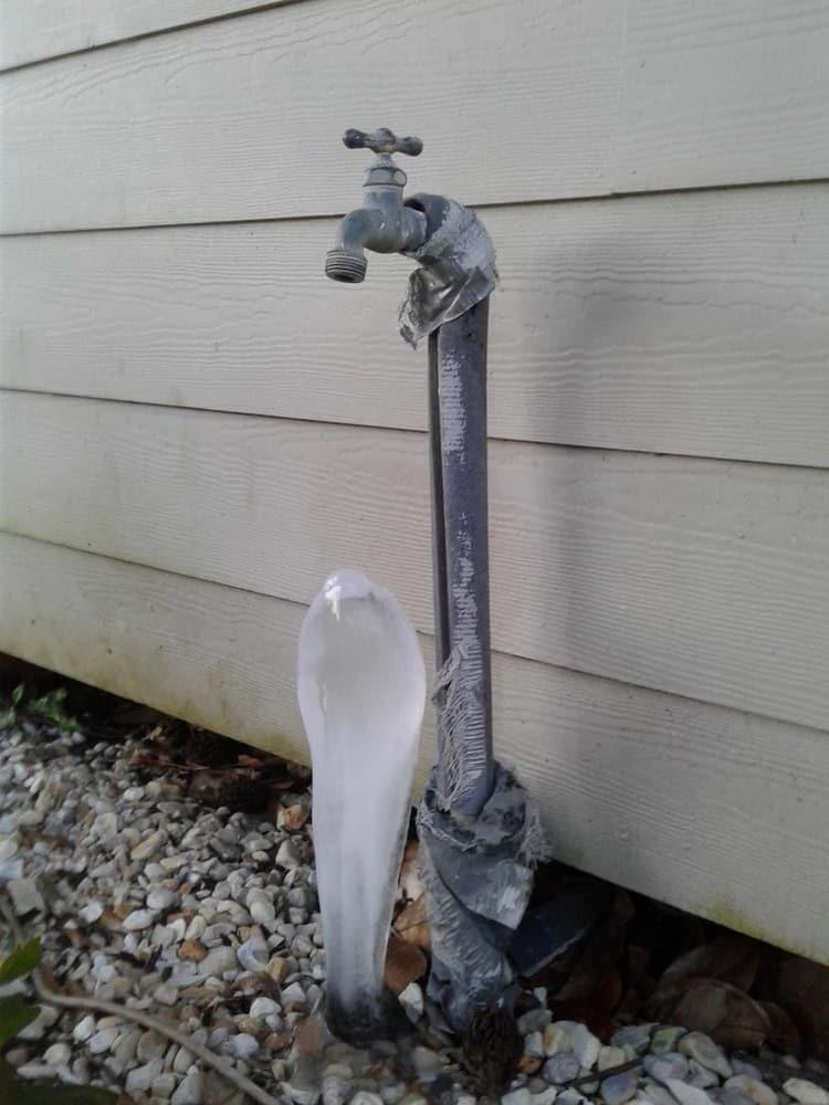 frozen-dripping-water