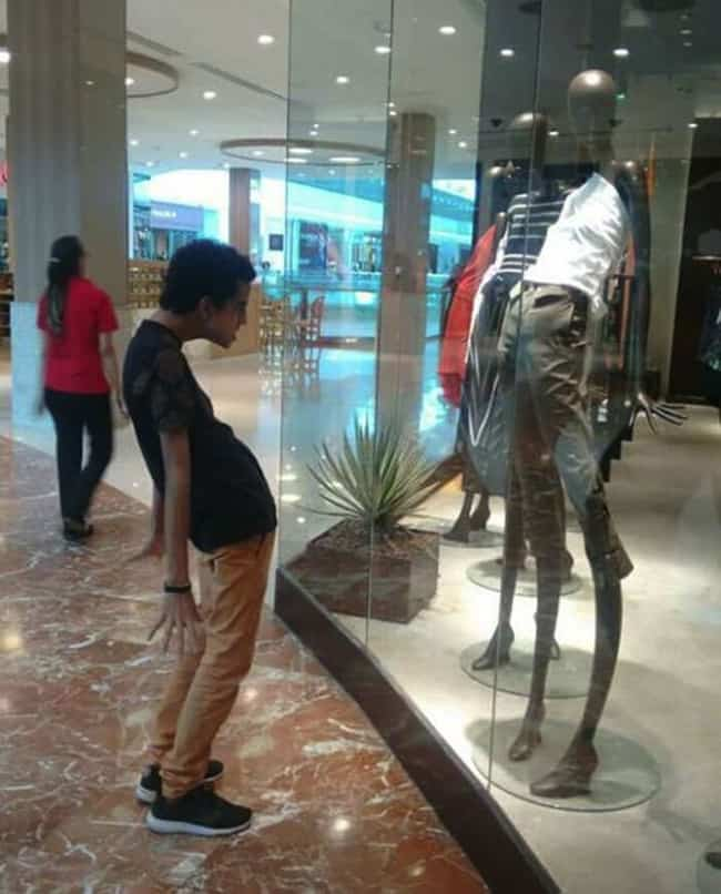 imitating-weird-pose-mannequins-posing-hilariously