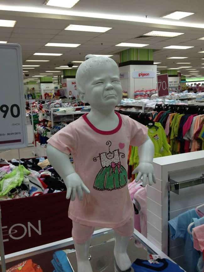 kid-tantrum-mannequins-posing-hilariously