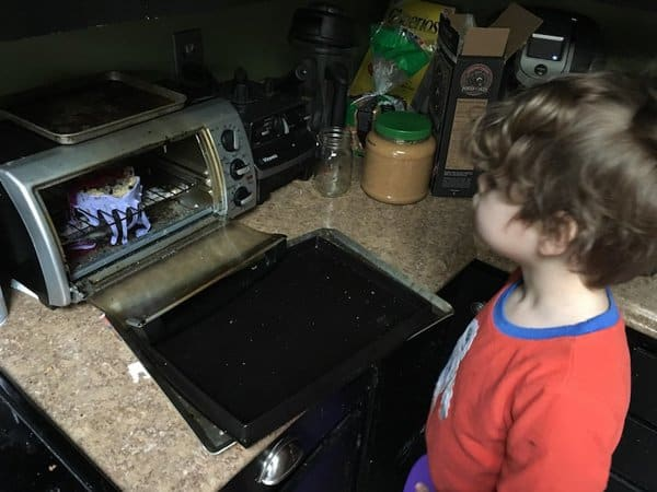 kid-tried-to-cook-oatmeal-in-a-toaster-unfortunate-people