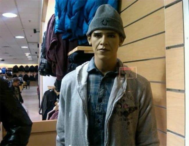 looks-like-obama-mannequins-posing-hilariously