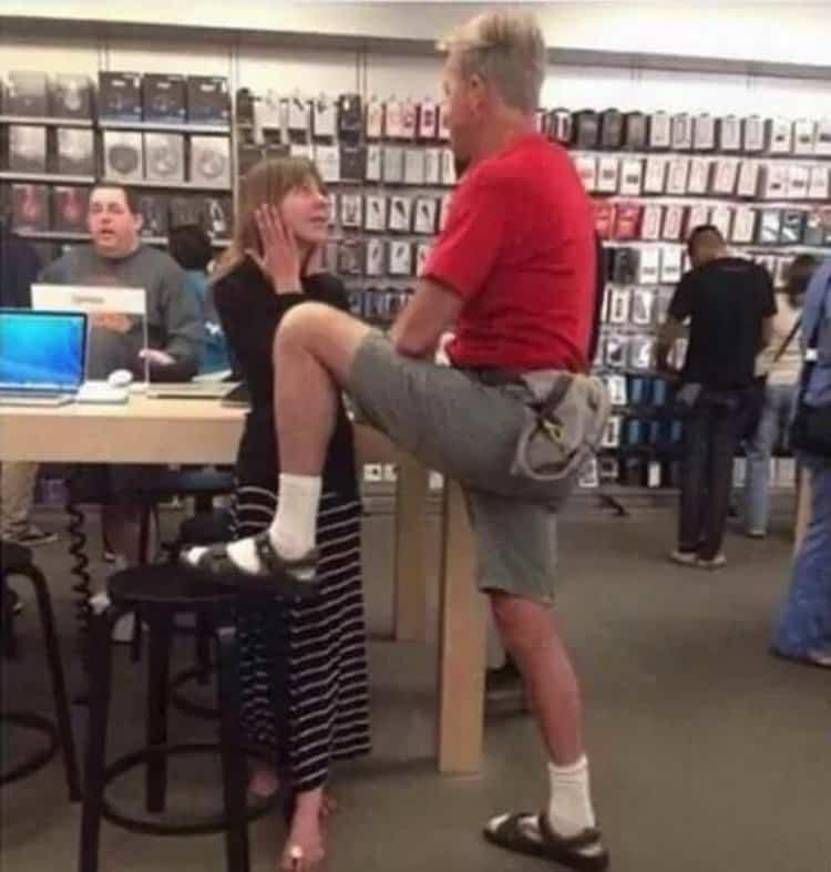 manspreading-inside-a-gadget-store