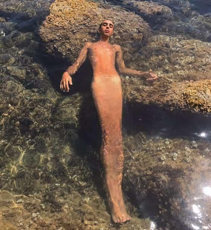 mermaid-suit-for-men-confusing-photos