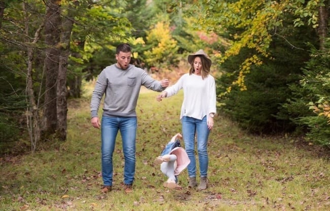 parents-dropped-the-baby-exciting-photos-taken-by-accident