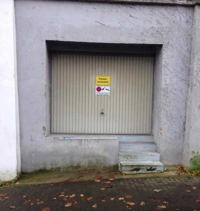 parking-lot-with-stairs-photos-that-make-zero-sense