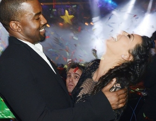 photobombing-kanye-and-kim-exciting-photos-taken-by-accident